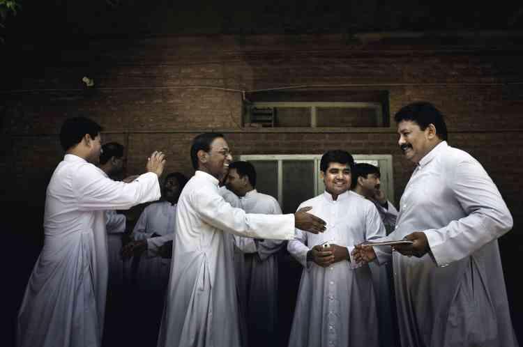 """Le diocèse de Faisalabad,  est un des sept diocèses de la  province du Pendjab pakistanais. """" Nous sommes une petite minorité, mais nous ne sommes ni cachés ni silencieux """", explique Mgr Coutts.photo:Marco Gualazzini / LUZphoto"""