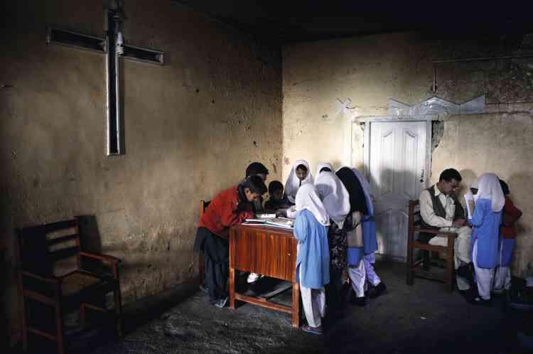 L'école primaire publique du  quartier chrétien de Jima Kana à Quetta accueille des enfants chrétiens et musulmans, mais tous les enseignants sont musulmans. photo:Marco Gualazzini / LUZphoto