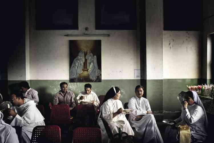 La communauté  chrétienne de  Faisalabad a  organisé, le 14 avril 2011, un grand jubilé pour fêter les 50 ans de la création de son diocèse (ci-dessus et ci-contre en bas à gauche). photo:Marco Gualazzini / LUZphoto