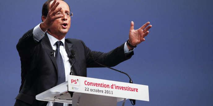 François Hollande, pendant son discours d'investiture comme candidat socialiste à l'élection présidentielle, le 22 octobre à Paris.