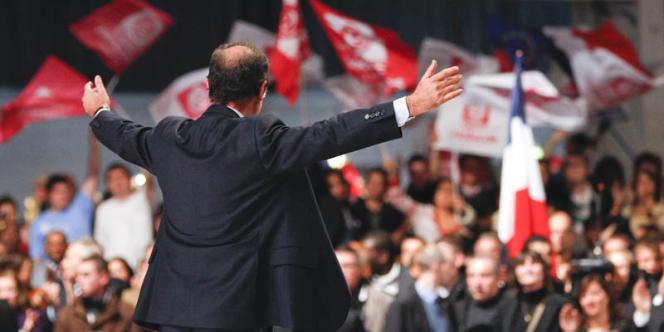 François Hollande lors de son investiture comme candidat socialiste à l'élection présidentielle, le 22 octobre à Paris.