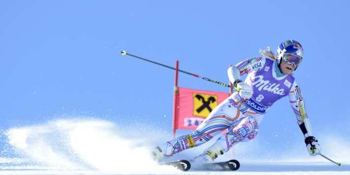 Lindsey Vonn a remporté le slalom géant d'ouverture de la saison samedi à Sölden.