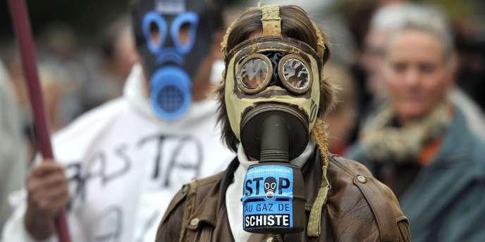 Manifestation contre les gaz de schiste en octobre 2011 à Barjac ( Languedoc-Roussillon).