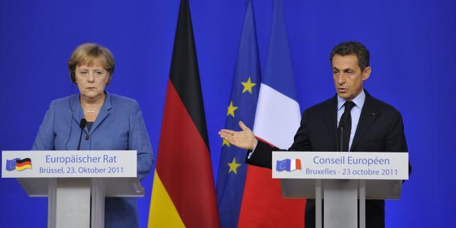 La chancelière allemande, Angela Merkel, et Nicolas Sarkozy, dimanche 23 octobre à Bruxelles.
