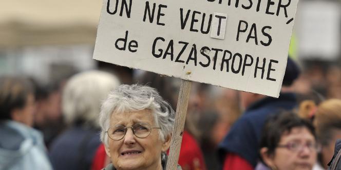 Manifestation contre les gaz de schiste le 23 octobre 2011 à Barjac (Gard).