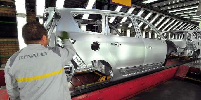 Le constructeur automobile aimerait aligner le temps de travail effectif de tous ses sites de production hexagonaux sur 35 heures, plus que ce que prévoient des accords locaux dans les différentes usines.