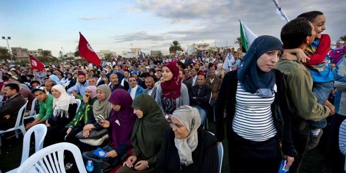 Meeting de clôture de Ennahda dans le stade de football de Ben Arous, le 24 octobre.