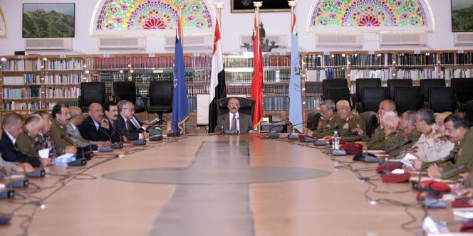 Vendredi 21 octobre, le Conseil de sécurité de l'ONU a adopté une résolution exhortant le président Saleh à préparer son départ.