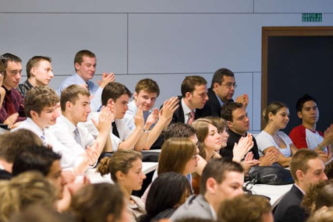 Des étudiants du cycle grande école de l'ESC Grenoble.