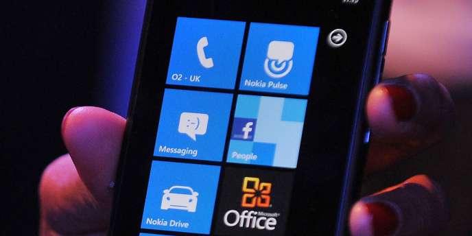 Le Lumia 800 de Nokia.