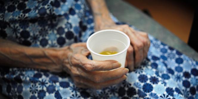 Une résidente de la maison de retraite