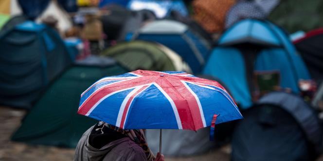 Le campement est passé en une semaine de 70 à 200 tentes.