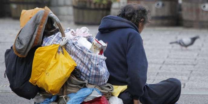 24 % des sans-domicile francophones travaillent, mais le plus souvent occupent des emplois « très précaires », relève l'Insee dans une étude publiée mardi.