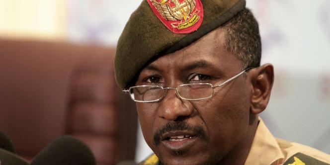 Le porte-parole de l'armée soudanaise, le colonel Khaled Saad, lors d'une conférence de presse sur les combats dans le Kordofan méridional, lundi 31 octobre.