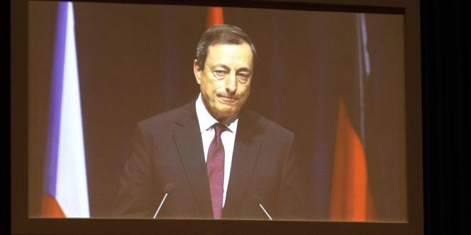 La mission de la BCE est aussi d'intervenir en cas d'envolée des taux d'emprunt de certains pays de la zone euro, a indiqué M. Draghi jeudi à Londres.