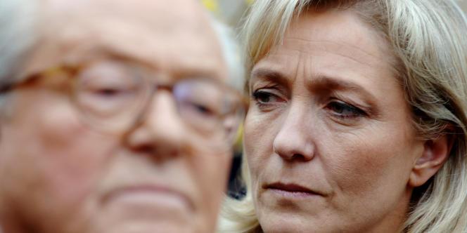 Jean-Marie Le Pen et sa fille Marine Le Pen, présidente du Front national.
