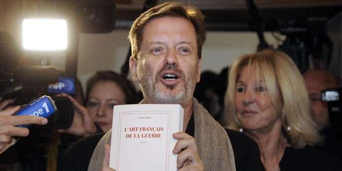 L'écrivain Alexis Jenni a reçu le prix Goncourt pour son livre