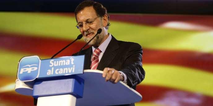 Le chef du gouvernement espagnol, Mariano Rajoy, lors d'un meeting à Castelldefells, près de Barcelone, le 3 novembre 2011.