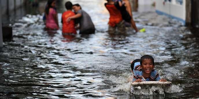 Le chiffrage des inondations en Thaïlande et le plus grand sinistre jamais observé dans l'histoire de la réassurance - ici, le 7 novembre 2011 à Bangkok.