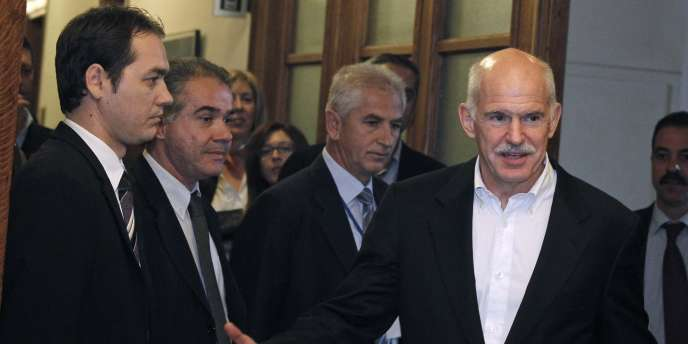 Georges Papandréou lors d'une réunion au parlement à Athènes, le 8 novembre 2011.