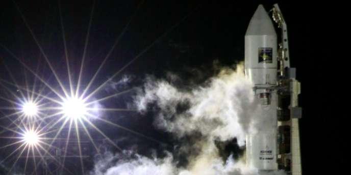 Décollage de la fusée transportant la sonde