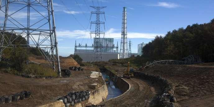 Les réacteurs 5 et 6 de Fukushima, en novembre 2012.