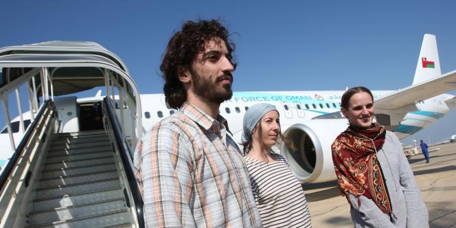 Les ex-otages ont regagné la France à bord d'un avion français depuis Mascate, capitale du sultanat d'Oman, le 14 novembre 2011.
