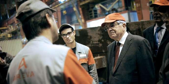 Jean-Pierre Chevènement en visite à l'usine Areva de Saint-Marcel en Saône-et-Loire, lundi.