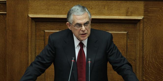 Lucas Papademos le 14 novembre 2011, lors de son premier discours au Parlement grec, à Athènes