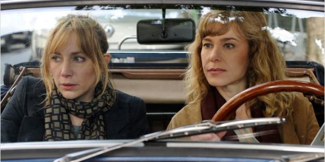 Julie Depardieu et Pascale Arbillot dans le film français d'Emmanuel Mouret,