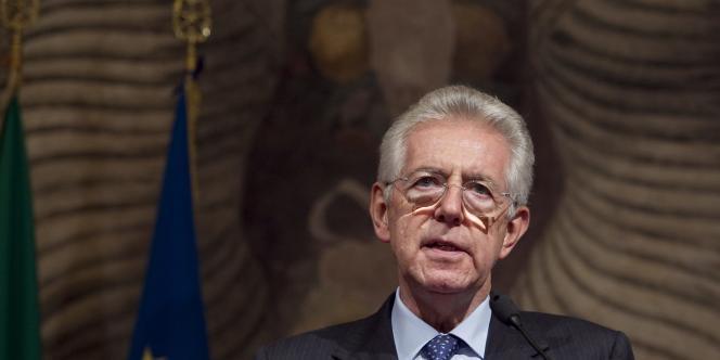 Le nouveau premier ministre italien Mario Monti au Sénat à Rome, le 15 novembre 2011.