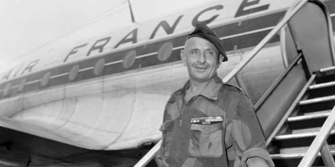 Mort le 18 juin 2010 à l'âge de 94 ans, Marcel Bigeard avait souhaité que ses cendres soient dispersées au dessus de Dien Bien Phu, pour