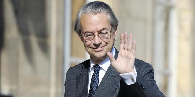 Le sénateur français Philippe Marini a rencontré lundi le ministre chypriote des finances, Vassos Shiarlis, au moment où Nicosie négocie une aide avec la