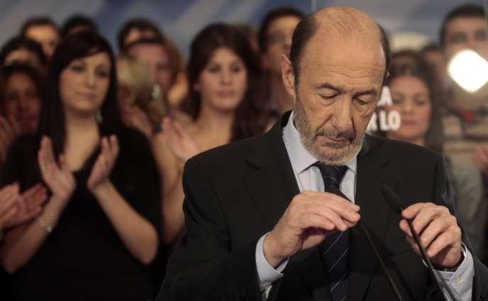 Alfredo Perez Rubalcaba, en novembre 2011, au siège du Parti socialiste ouvrier espagnol (PSOE)  à Madrid.