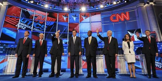 Les candidats républicains à l'élection présidentielle à l'issue du débat du mardi 22 novembre 2011 à Washington.