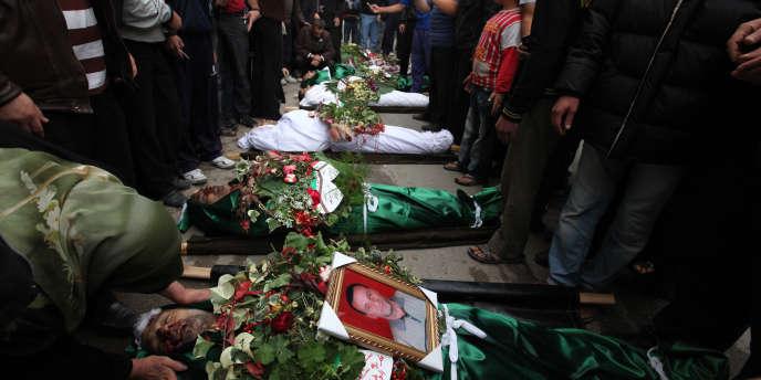 Le 30 octobre, à Homs, les funérailles de six