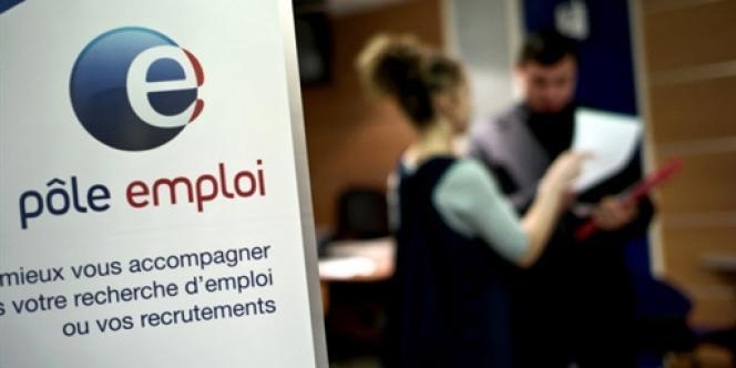 Avec les DOM, le taux de chômage atteint 10,9 % au deuxième trimestre, selon les chiffres de l'Insee.