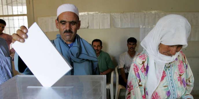 Au Maroc, le parti islamiste était arrivé en tête en nombre de voix lors des dernières élections de 2007, marquées par une faible participation (37%).