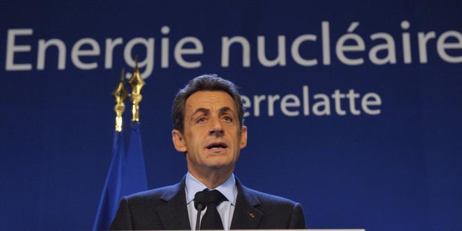 Nicolas Sarkozy à Pierrelatte, le 25 novembre 2011.