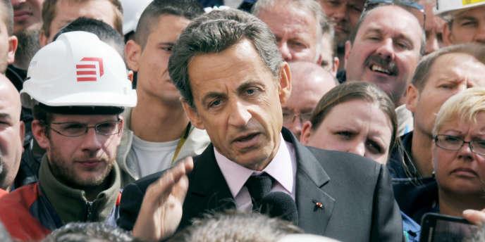 Le président de la République devant les salariés de la centrale nucléaire de Gravelines en mai.