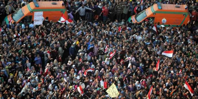 Des manifestants place Tahrir, le 22 novembre.
