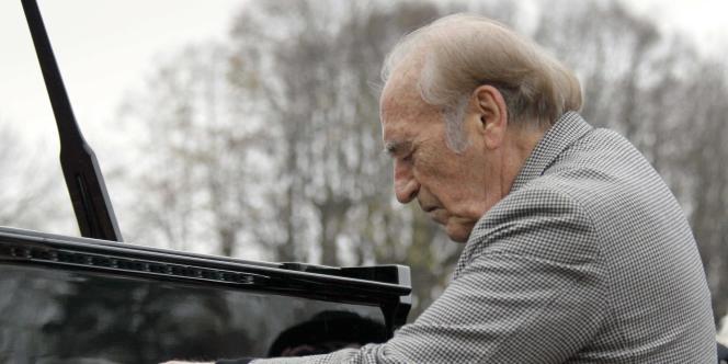 Le pianiste argentin Miguel Angel Estrella a accompagné le dernier hommage à Danielle Mitterrand.