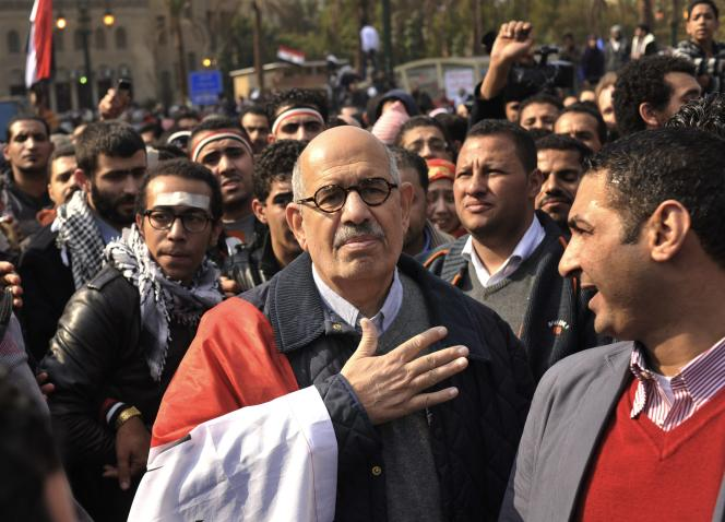 Mohamed ElBaradei, prix Nobel de la paix, a donné sa démission, mercredi 14 août 2013, du gouvernement de transition mené par les militaires après la répression sanglante des manisfestations des pro-Morsi au Caire.