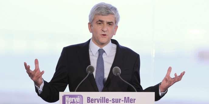 Hervé Morin, président du Nouveau Centre, a officialisé sa candidature à l'élection présidentielle en Normandie, le 27 novembre 2011.