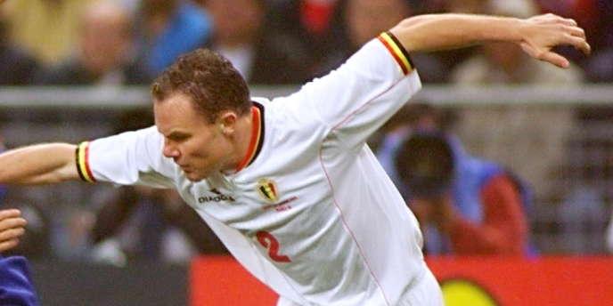 Le footballeur belge Bertrand Crasson a confessé récemment avoir subi des perfusions lorsqu'il évoluait à Naples.