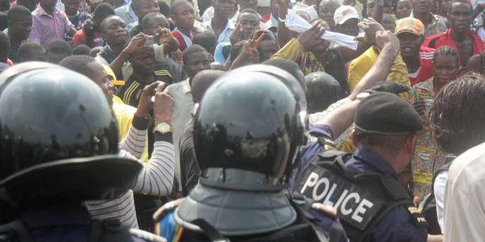Quatre bureaux de vote ont été attaqués dans la province minière du Katanga, dans le sud du pays, où entre 7 et 11 personnes auraient été tuées, lundi 28 novembre.