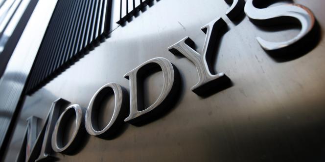 Moody's a revu à la baisse, vendredi 30 mai, la perspective de 82 banques européennes.