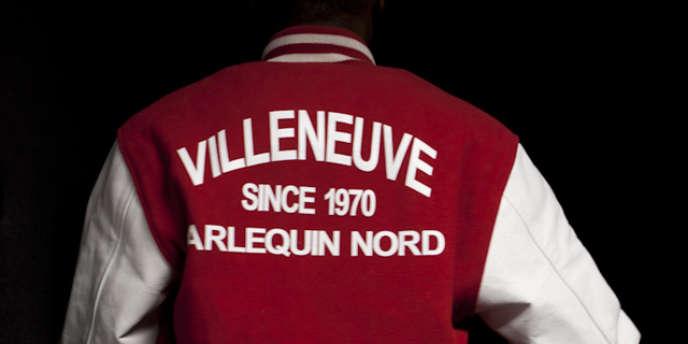 A Grenoble, les habitants de la cité la Villeneuve, secouée par des émeutes en 2010, participent à une série télé. Un projet soutenu par France Télévisions, à contre-pied de l'imagerie