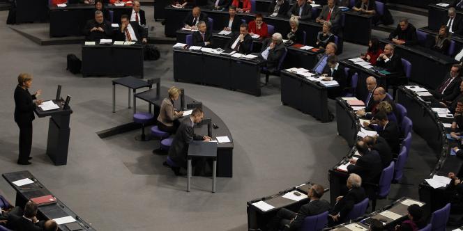 Le discours sur l'Union européenne d'Angela Merkel devant le Bundestag, vendredi 2 décembre.
