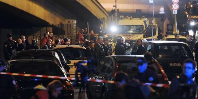 Sur les lieux de la fusillade survenue à la sortie d'un magasin de bricolage, braqué dans la nuit du 27 au 28 novembre. Trois fusillades ont éclaté cette semaine à Marseille et alentour.